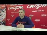 Владимир Стогниенко в гостиной
