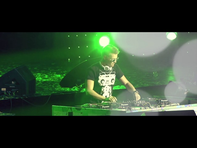 DJ Chris Parker - Typhoon (Live Video)