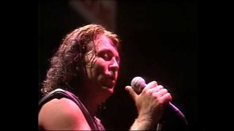 Deep Purple Live in Sydney 1984 performing Smoke On The Water