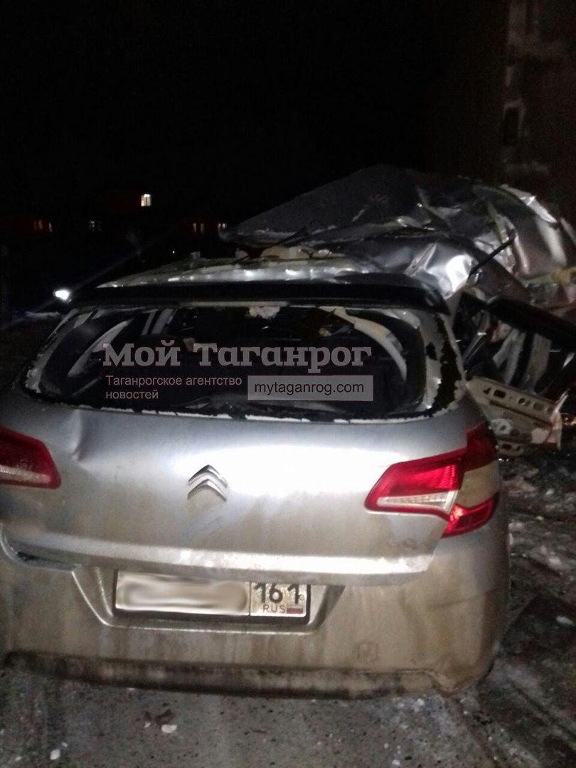В Таганроге произошло серьезное ДТП с участием четырех автомобилей