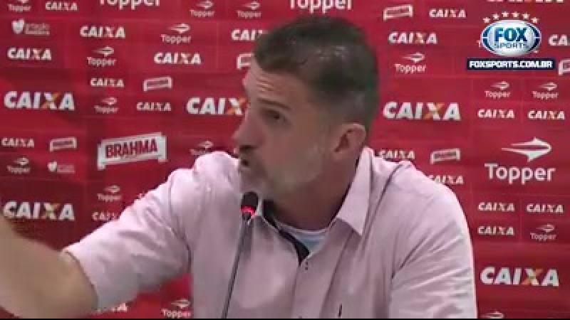 Mancini falando verdades pra imprensa bairrista de São Paulo