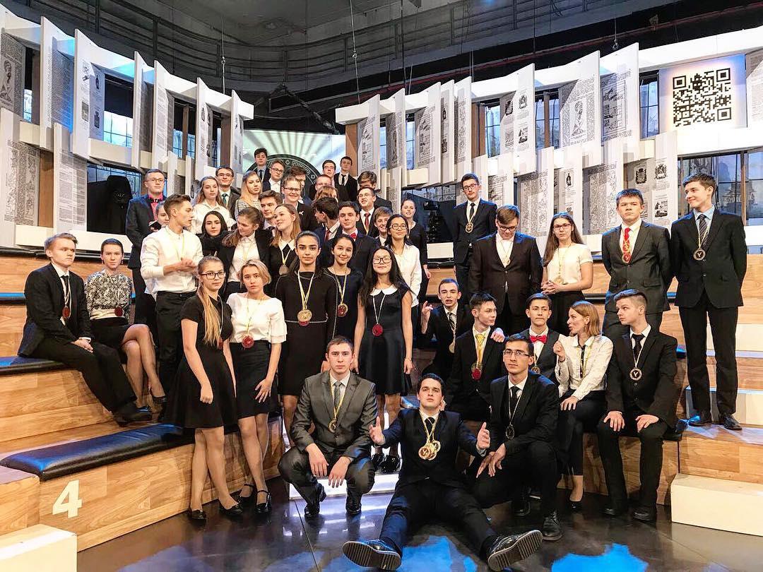 Школьница из Кардоникской прошла в полуфинал олимпиады «Умницы и умники»
