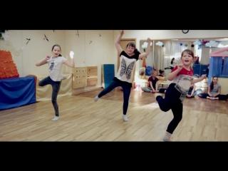 Растяжка, уроки акробатики и эквилибра, школа баланса.