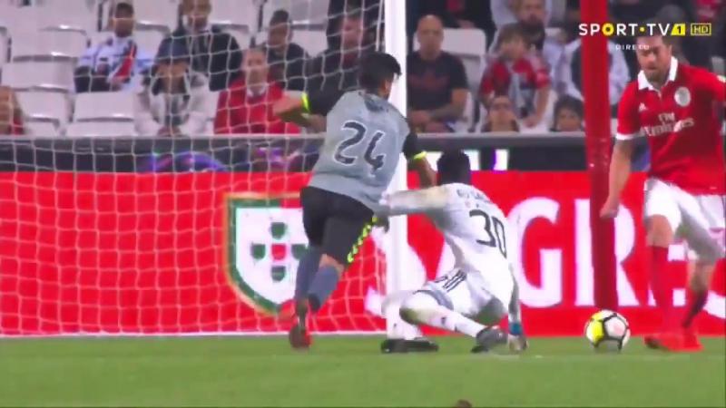 Pronto, mais uns minutos e lá vem o Twitter do Benfica