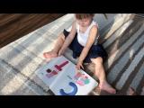 Юлиана и Алина 2 годика, смотрят азбуку