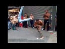 Capoeirista aplica linda técnica de tesoura - Perfeita!