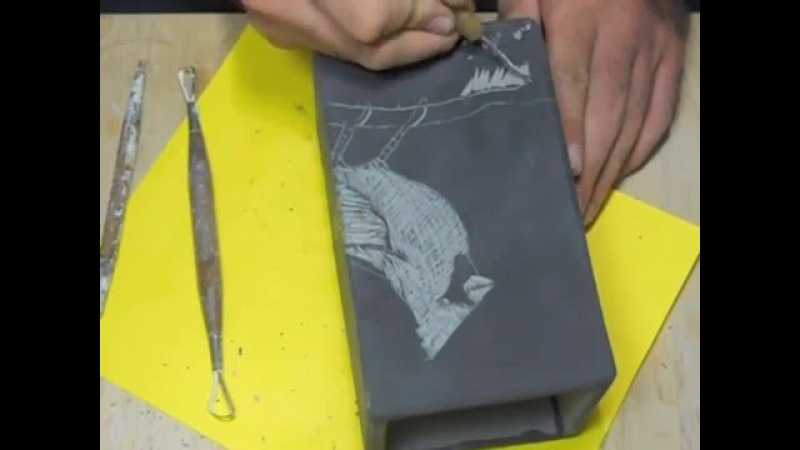 Decorating slab vases with sgraffito