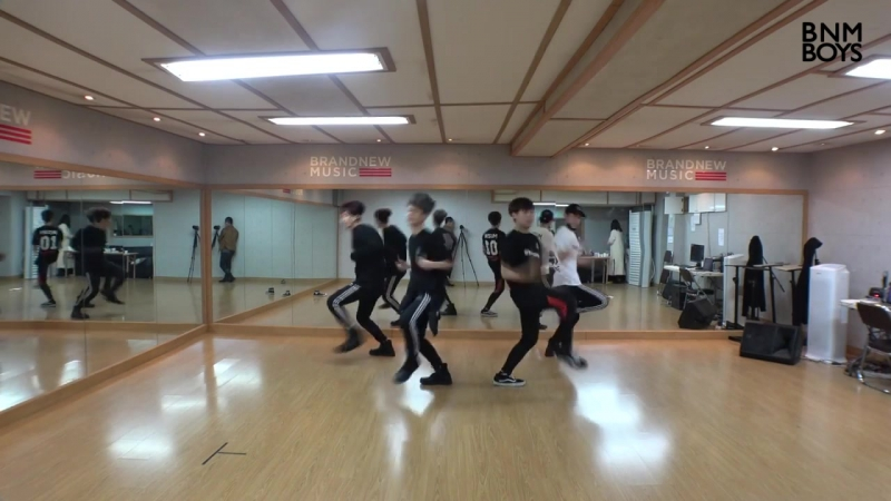 [V LIVE] BNM BOYS – 'Hollywood DANCE PRACTICE VIDEO