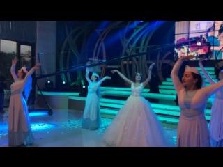 Традиционный армянский танец невесты