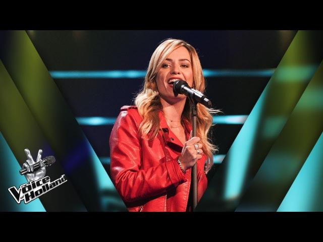 Deborah de Groot – Stil In Mij | The voice of Holland | The Blind Auditions | Seizoen 8