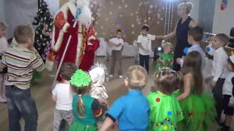Маленькой ёлочке холодно зимой New year Новый год Santa Claus Дед Мороз 新年 新的一年 새해가 ا...
