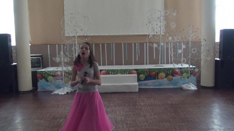 Валерия Коромыслова Девочка на сцене танцевала