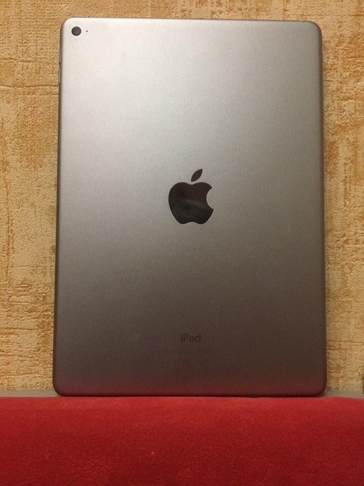 - iPad Air 2 64gb WiFi.