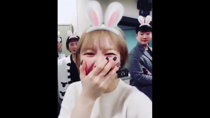 171125 Red Velvet's Wendy Seulgi @ sbs ten Instagram Update