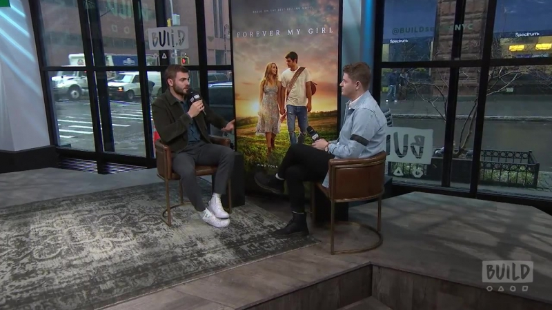 Alex Roe Reveals He Sang Kid Rock's Picture For His Audition