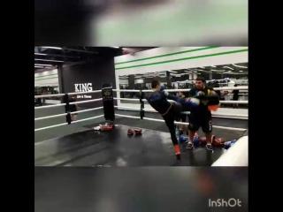 💥Pad work with @kraminskyi 👊 #kickboxingfitness#padwork#hard#trainingday#kingfitness#muaythaifighter#kharkivlive#maratcoach#pers