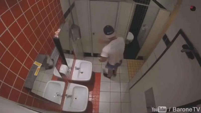 Розыгрыши над людьми в туалете! Жестокие шутки. Смешные приколы! Лучший ПРАНК