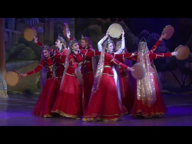 Qaval reqsi (танец с гавалом), ансамбль