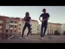 Парень с девушкой очень круто танцуют