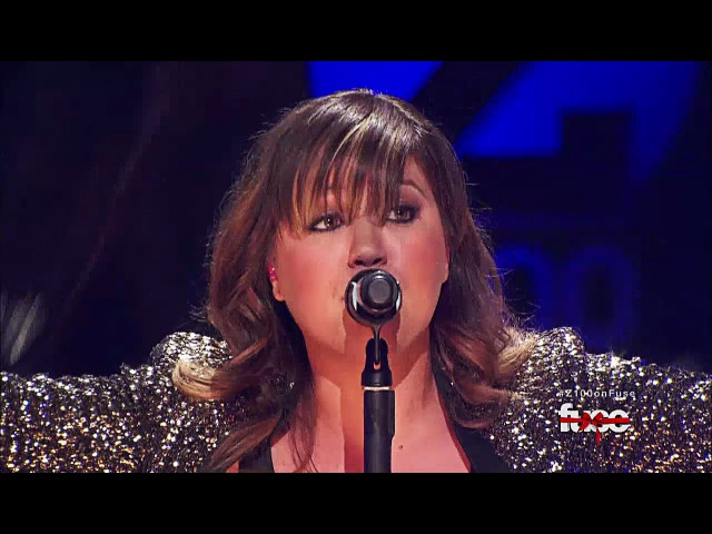 Kelly Clarkson - Stronger (What Doesn't Kill You) Live on Z100's Jingle Ball 2011 [HD]
