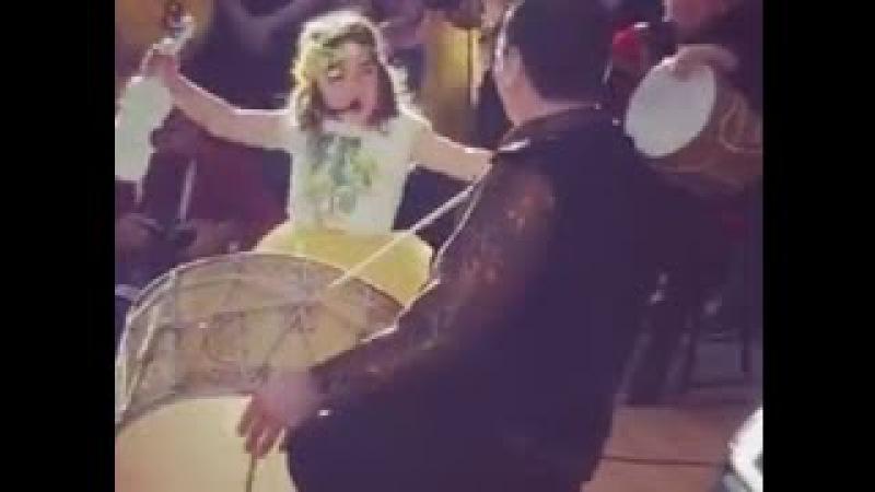Küçük azeri kızdan süper performans (Nuray RAHMAN-AZERBAYCAN).Maşallah sana..