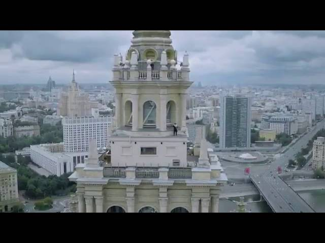 Леонид Слуцкий в рекламе еврейского культурного центра