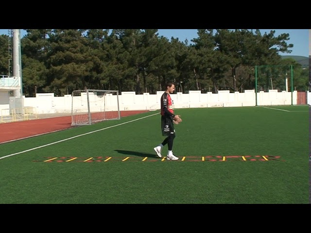 Football coaching video soccer drill ledder coordination Brazil 3