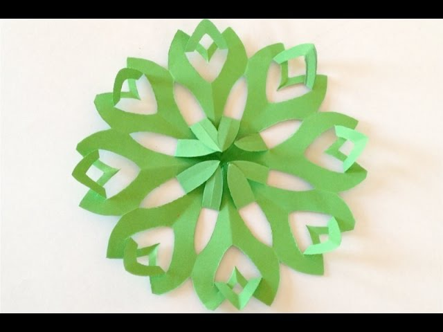 DIY. Новогодние украшения - ФИГУРНАЯ СНЕЖИНКА из бумаги - How to Make Paper Snowflakes