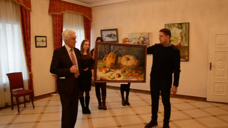 Передача моей работы в дар картинной галереи им. К.А. Савицкого » Freewka.com - Смотреть онлайн в хорощем качестве