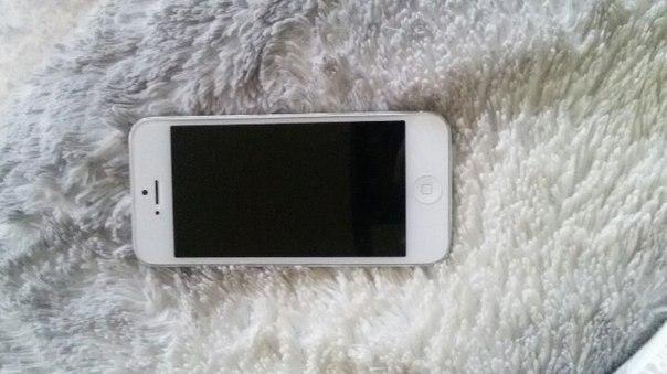 Нашла телефон, Iphone судя по всему 5, кто потерял? БЕЗ чехла Последне