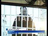 Роскошные тылы начальника тыла ГУВД стали предметом разбирательства в суде. Сам он жалуется на выпавшие в тюрьме зубы.