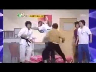 Федор Емельяненко веселится на корейском комедийном шоу