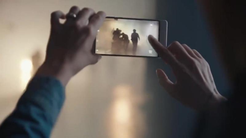 Скарлетт Йоханссон и Гэнри Кавилл в рекламе Huawei P9.