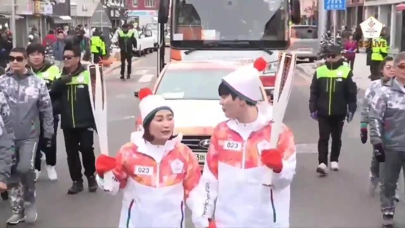 [090318] Сонджон упоминает Сонгю на передаче Олимпийского огня.