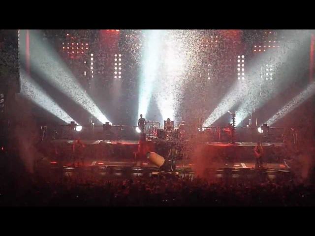Rammstein - Pussy [11.12.2010 - New York] (multicam by popaduba) HD
