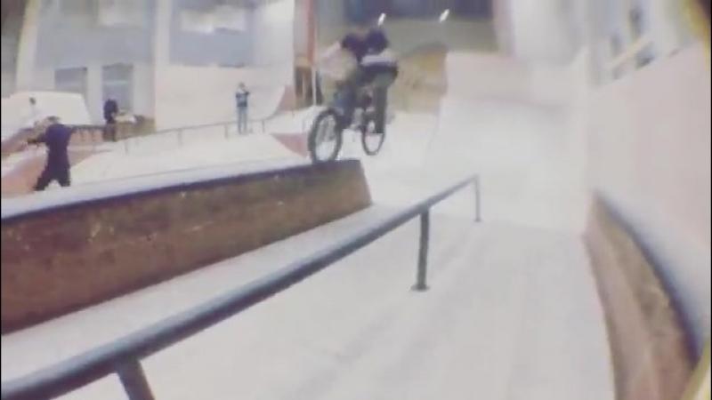 Ваня Говоров в скейт-парке Смена