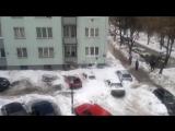 Снег С Крыши Раз#бал все машины