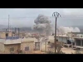 لحظة استهداف مشفى كفرنبل الجراحي بريف إدلب من قبل الطيران الروسي 《5_2_2018》