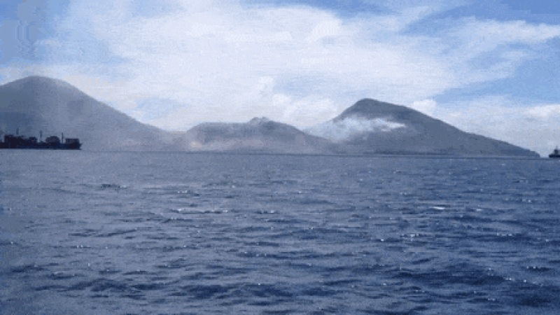 Volcano Eruption in Papua New Guinea - Create, Discover and Share GIFs on Gfycat