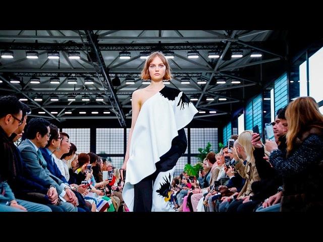 Valentino   Fall Winter 2018/2019 Full Fashion Show   Exclusive
