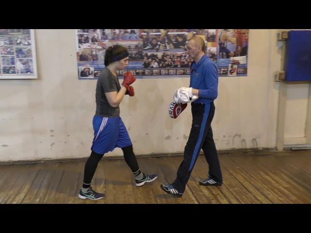 Бокс: нокаутирующий левый боковой из глухой стойки ,jrc: yjrfenbhe.obq ktdsq ,jrjdjq bp uke[jq cnjqrb