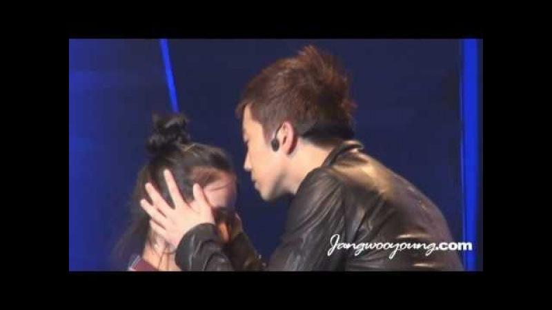 [FANCAM] 101016 2PM Galaxy Fanmeeting - Wooyoung kissing fan close up