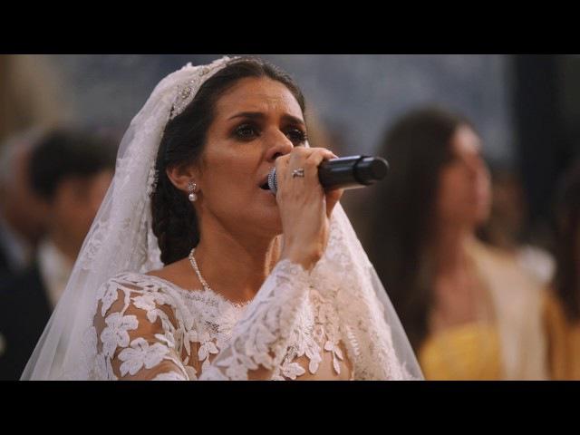 O momento em que Cuca Roseta canta Avé Maria no seu próprio casamento.