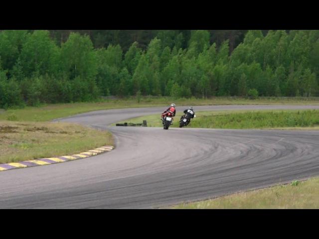 FZ6 vs R6 @ Motopark