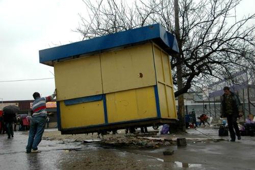 В Зеленчукском районе снесут все самовольно установленные торговые павильоны