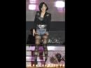Кореянка танцует в колготках и джинсовых шортах  Korean girl dancing in pantyhose and jeans shorts