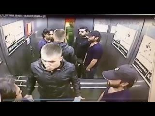 Житель Омска и трое кавказцев