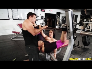 Blowjob And Anal In The Gym