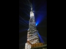 Световое шоу на небоскребе в Дубай молл