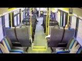 Пикап влетел в салон автобуса с пассажирами на северовостоке США